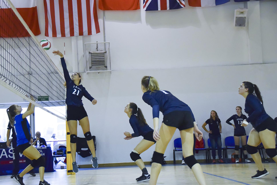 Virginia Italia '19 playing volleyball for TASIS
